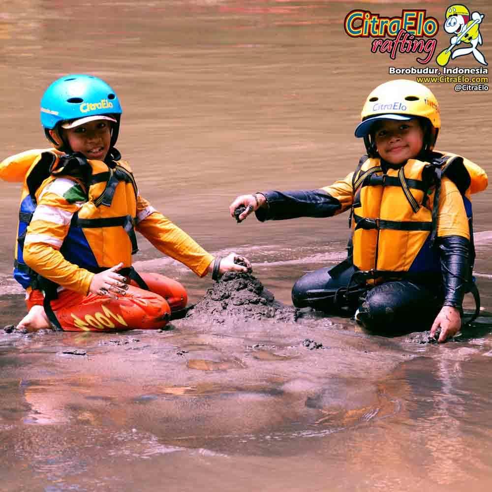 CitraElo Sungai Elo Tepi Sungai Elo CitraElo Rafting Arung Jeram Sungai Elo Progo